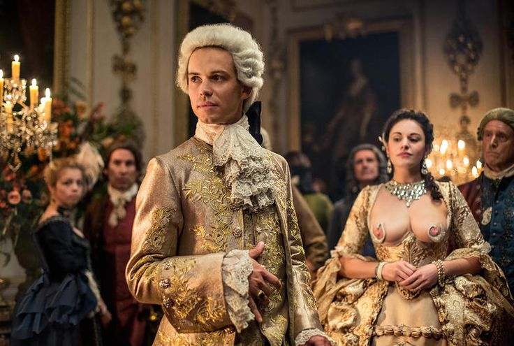 The Most Gorgeous Outfits from Outlander Season 2 : King Louis and his Mistress, The Swan Dress
