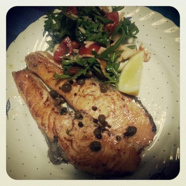 Swordfisch and salad..