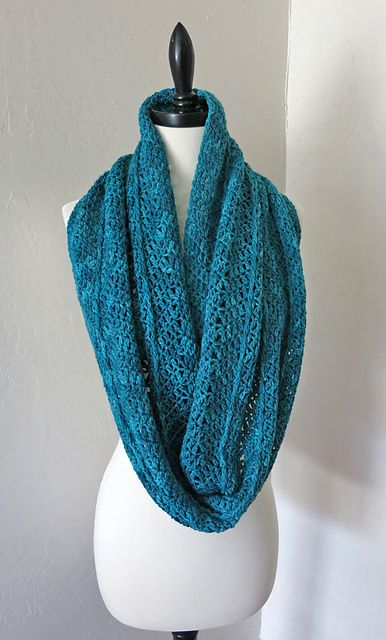 Ravelry: Winter Wrap Infinity Scarf pattern by Deja Jetmir