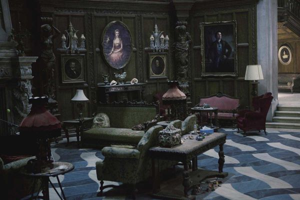 "production designer Rick Heinrichs""Dark Shadows"" sets"
