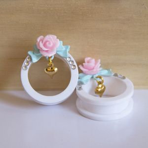 Image of Pastel Rose Tunnels | 16-30mm