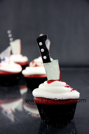 My kind of cupcakes, delicious evil filled goodness