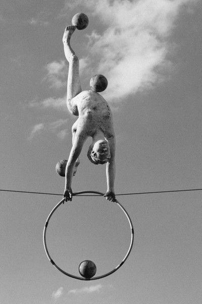 Z hula-hop i piłkami, 2008, fot. Bartek Kędziora