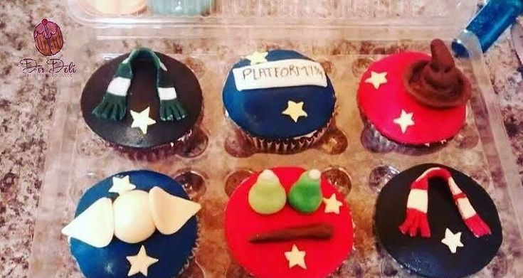 Harry Potter 🧙🏼♀️🧙🏼♂️ Cupcakes vainilla decoración en…