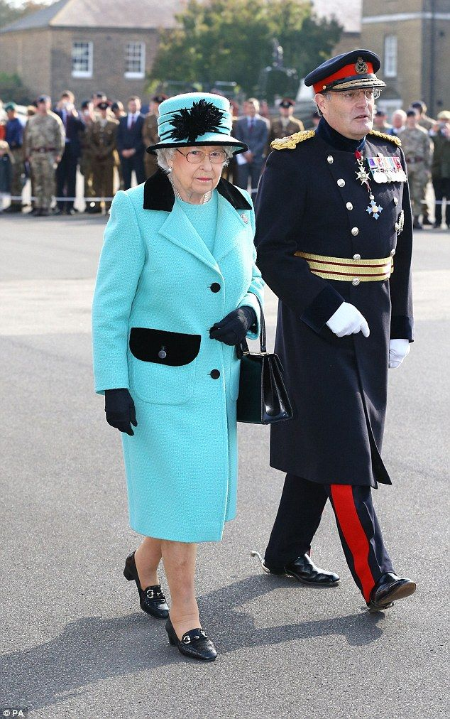 The Queen arrived in a Bentley before transferring to a Range Rover for her historic visit...