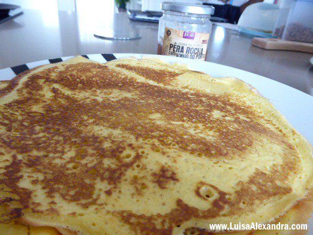 Crepes Franceses com Farinha Custard - http://gostinhos.com/crepes-franceses-com-farinha-custard/