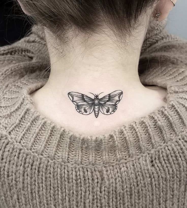 Motte Tattoo Bedeutung Des Motivs Und Einige Der Schonsten Mottenarten Fra Tattoo Bedeutungen Motten Tattoo Nacken Tattoo