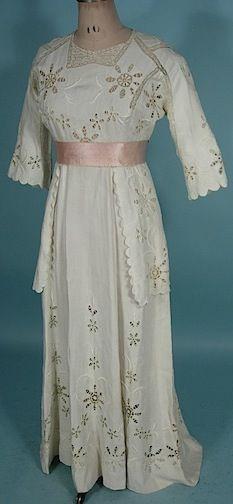 Edwardian White Linen Cutwork Lawn Dress, Slightly Trained    c.1912  -  Antique & Vintage Dress Gallery