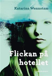 En tjej som bara är ett år äldre än du har hittats död på ett hotell här i Vasastan. Valentina nästan kastade från sig några tallrikar ner i vasken och det skrällde till av porslinet. Någon har strypt henne. Och bara lämnat henne under ett täcke.En sjuttonårig flicka har blivit mördad på ett hotellrum i centrala Stockholm. När sextonåriga Alexandra Skarp får höra det kan hon inte låta bli att tillsammans med sina bästa kompisar, Charlie och Bianca, börja nysta i fallet. Det leder dem rakt…