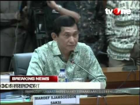 Presiden Direktur PT Freeport Indonesia Maroef Sjamsoeddin Serahkan Bukt...