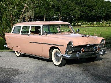 Plymouth Deluxe Suburban (1956).