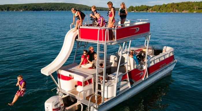 Rent Your Own Two Story Party Boat In Maryland For An Amazing Day On The Water Boat Boat Party Boat Rental