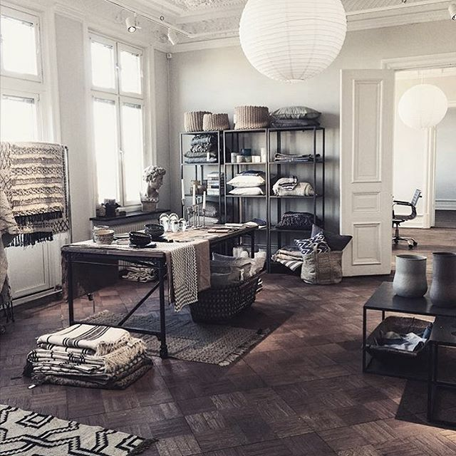 Love our showroom! Photo @helenastrauss  #tellmemore #tellmemoregbg  tellmemore.nu