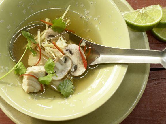 Zitronengrassuppe mit Steinbeißer: Die Suppe aus Zitronengras liefert Ihren Vitamin E, Vitamin B12 und Jod zu sich zu nehmen.
