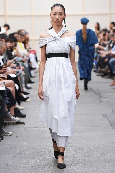 View the complete Nehera Spring 2017 collection from Paris Fashion Week.