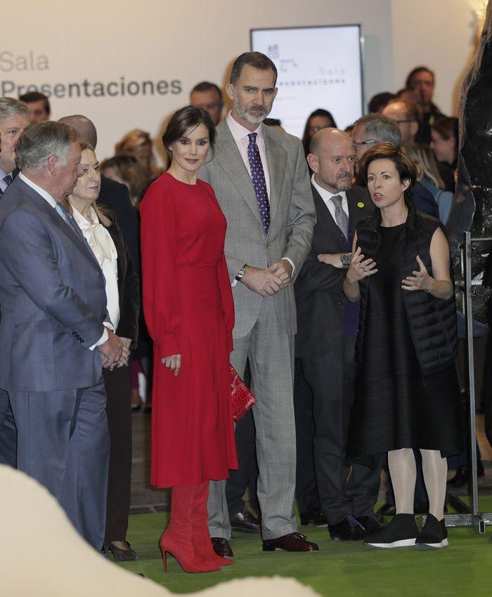 Los Reyes han llegado pasadas las once y media de la mañana y han estado acompañados por el ministro de Cultura y la presidenta del Congreso de los Diputados  Fotografía de Fernando Junco