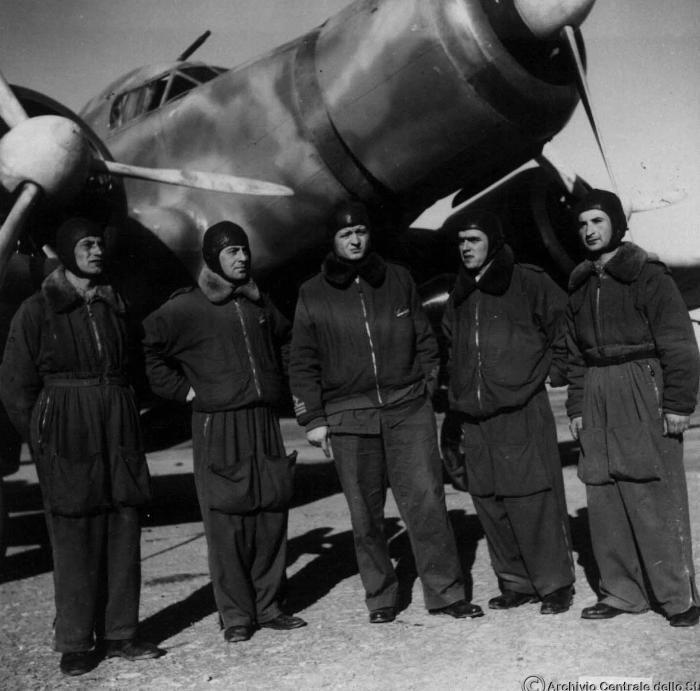 Gadurrà (Rodi), primavera 1941. Il capitano Buscaglia e del suo equipaggio con…