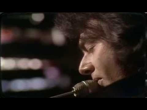 Neil Diamond - Song sung blue 1972-Live-For some reason the uploader of this song decided to cut the end off  :(