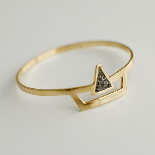SURYA CUFF: Gold Plat Cuffs, Jewellery Triangles, Gold Fashion, Surya Cuffs, Rings Gold, Jewelry, Style Accessories, Cuffs Jewellery, Fashion Trends