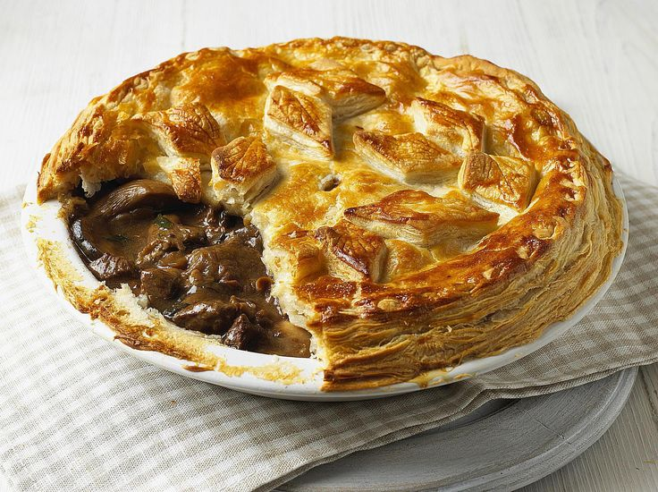 Discover a whole range of British pie recipes right here from sweet to savory and all comforting plus delicious, naturally.