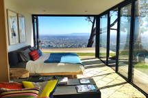 Tree house with 360 views of L.A - Houses for Rent in Los Angeles - Get $25 credit with Airbnb if you sign up with this link http://www.airbnb.com/c/groberts22
