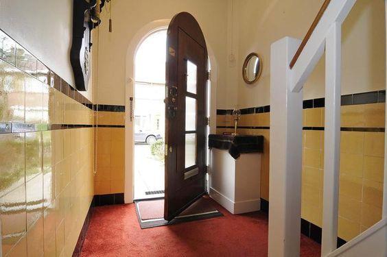 25 populairste idee n over jaren 39 20 keuken op pinterest bungalow keuken klassieke keuken en for Schilderen voor gang d