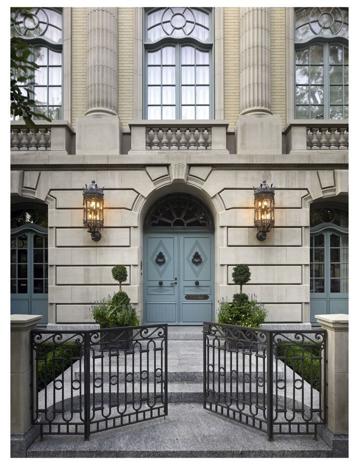 The facade references a well-known Lincoln Park landmark, the Belden Stratford Hotel, and quotes Anges-Jacques Gabriel's Petit Trianon and Carrere and Hastings' Henry T. Sloane House.