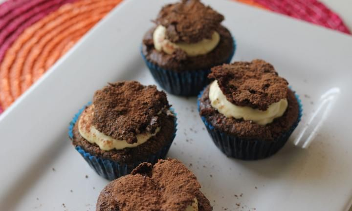 Gluten-free chocolate and raspberry cupcakes - Kidspot