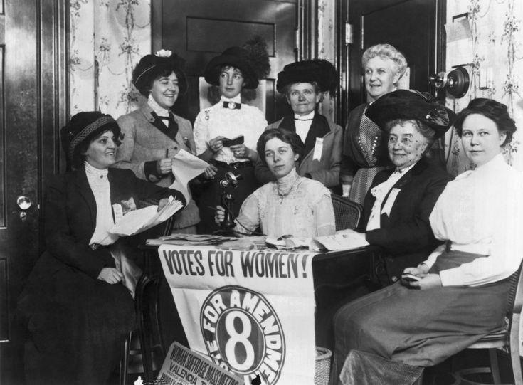 27 imagens incríveis de mulheres ganhando e exercitando o direito ao voto (FOTOS)