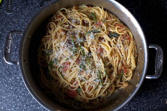 spaghetti with chickpeas. great hi-carb meal for Ben before a race (great hi-carb meal for me to enjoy ;))