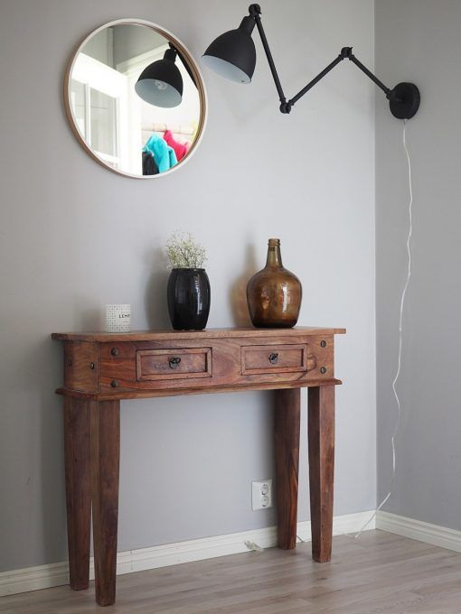 Interior-seina musta