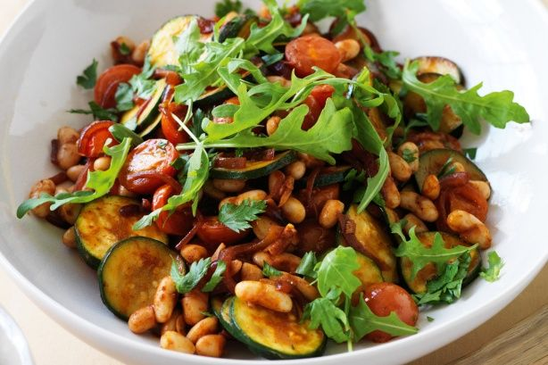 Lower-GI white beans with cherry tomatoes and zucchini