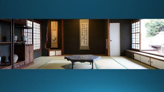 台東区にある朝倉彫塑館という美術館。伝統的な日本の建築を大事にしていた朝倉さんという、50年前ぐらいに亡くなった彫刻家の方の家なんですけども、都内で大変便利な場所にありながら、こういう伝統的な家があって、庭があって、いろんな美術が展示してあると。部屋のなかに入ると、触っちゃいけないけれど、美術品を近くで見ることもできます。
