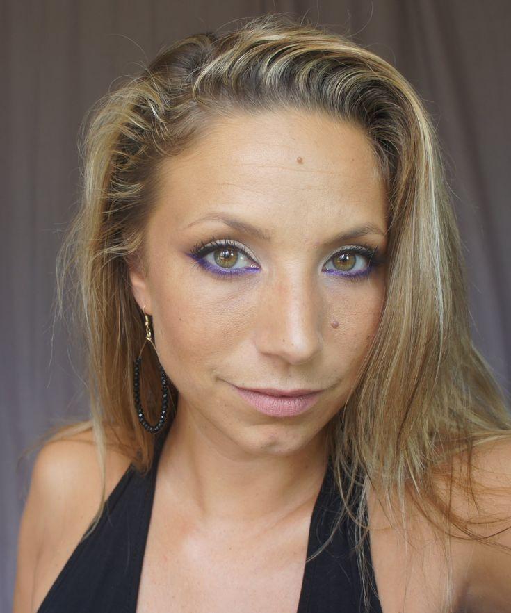 Maquillage yeux verts l Clairette Sweety  Bonjour les filles !! Je reviens avec une vidéo pour les yeux verts faite avec la palette d'Anastasia Beverly Hills Maya Mia et Electric of UD...