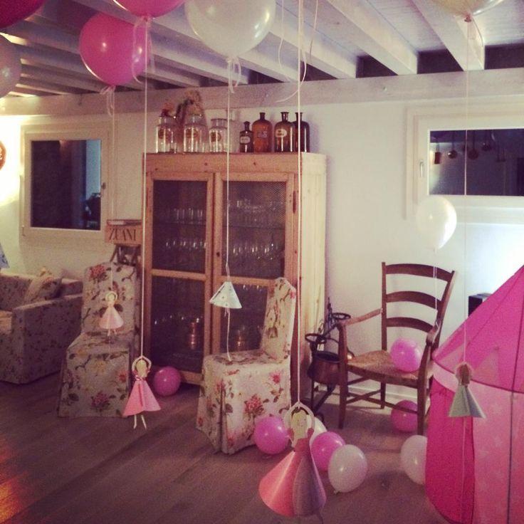 Princess party ~ soon on the blog! #princess #principessa #festa #party #kidsparty #birthday #birthdayparty #birthdaygirl #compleanno #festadicompleanno #pink #love #rosa #balloons #balloonparty #merimeriparty #decor #decoration #decorationparty #photooftheday #instaparty #interior #littleprincess #littlegirl
