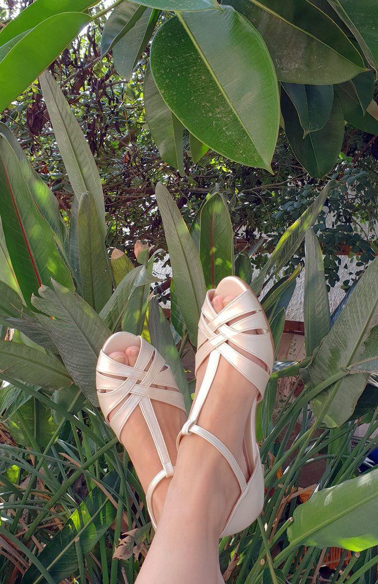 Shila Vegan Ivory Bridal Vintage inspired kitten heel
