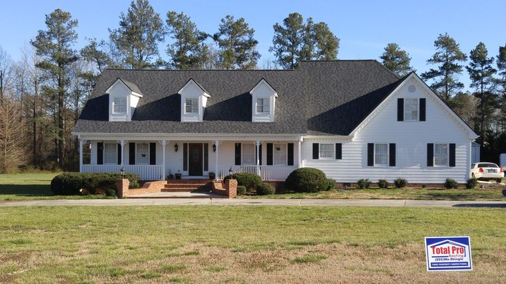Best Landmark Pro Architectural Shingle In Moire Black Exterior Makeover Exterior House Colors 400 x 300