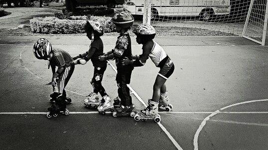 Fotografia Niños Patinando