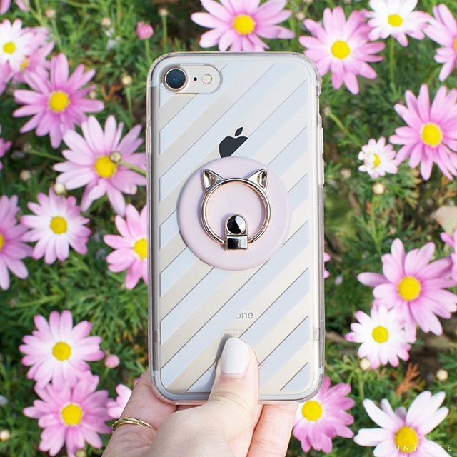 ストライプ×猫 トレンドを組み合わせて手元から可愛らしく . Mallow Blanc for iPhone7 (Stripe) CAT SMARTPHONE RING (PINK) . . #UNiCASE #ユニケース #unicasejp #iPhoneケース #スマホケース#smartphonecase #iPhonecase #アイフォンケース #iPhone #iPhone7 #花 #ストライプ #シンプルネイル #セルフネイル #指輪 #春コーデ #春色 #ピンクコーデ #猫 #ネコ #手元くら部 #スマホリング #一眼レフ#instafashion #instagood #大人可愛い #カメラ女子 #カメラ部 #大人女子 #カメラ散歩