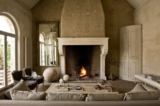 Italian fireplace.Stones Fireplaces, Fireplaces Design, Interiors, Livingroom, Living Room, House Style, Home Decor, Sitting Room, Fireplaces Ideas