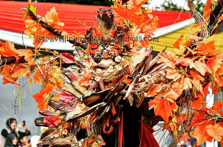 You're allowed to scream. You're allowed to cry. But you're not allowed to give up. http://travellingaddict.wordpress.com  #waci #jemberfashioncarnival #jemberfashioncarnival2016 #jff #jff2016 #wonderfulindonesia #visitindonesia #indonesia #jember #travel #instatravel #carnival #carnivalindonesia #worldcarnival #nikon #nikond7000 #dynandfariz