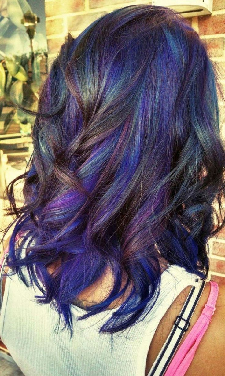 Если вы желаете осветлить темные волосы или сделать их ярче и насыщеннее – использование «смывки» обязательно