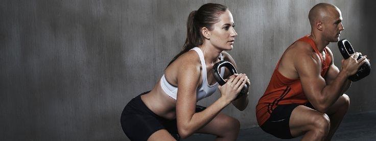 HIIT, hoge intensiteit interval training, is tegenwoordig de beste training om te zweten. Snelle passen, afwisselend met korte uitbarstingen en snelle herstel periodes, verbranden meer calor