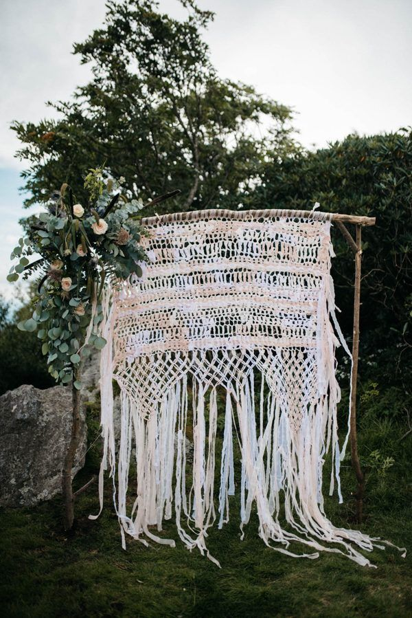 Macrame wedding ceremony backdrop by Barton Craft and Design   Photo by Julia Madden Sears