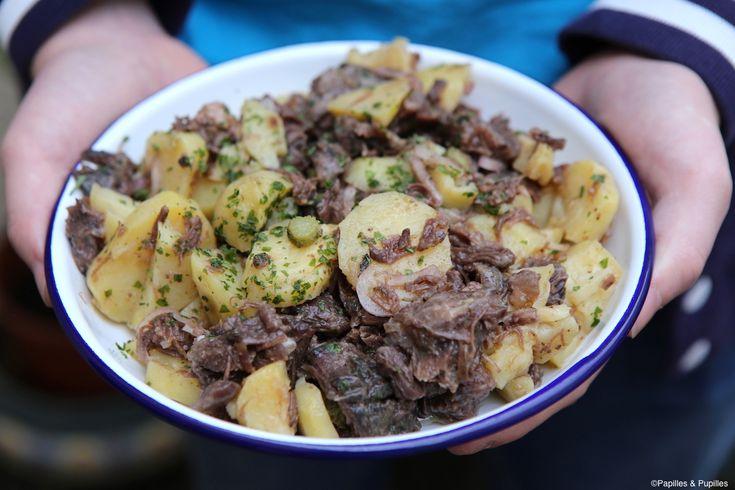 Salade de pommes de terre, joue de boeuf et cornichons »