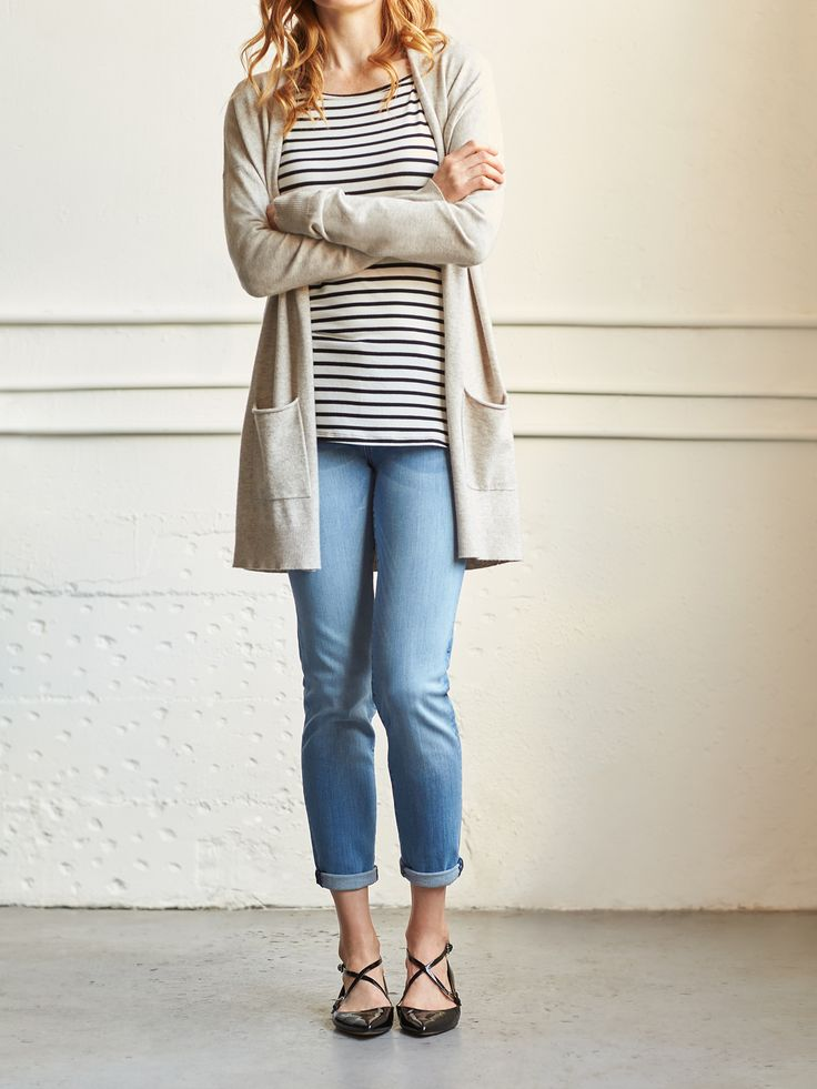 If you're looking to style a pair super-relaxed jeans try out the double cuff.  To accomplish this stylish trick, first start with a single, wide cuff (about one and a half to two inches). Then, fold over once more to create a double cuff. A pro tip? The more haphazard and nonchalant the better.