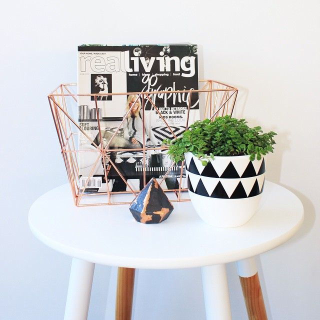 Style like this, maybe blue trimmed basket on my blue table?
