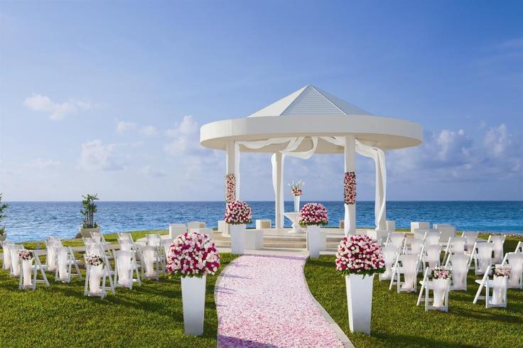 Wedding Gazebo At Dreams Cancun Resort Spa Www Dreamsresorts