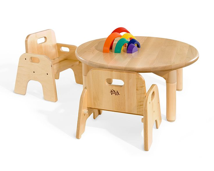 Child sized chairs perfect for infants and toddlers for Kid sized furniture