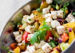 Lun potetsalat med tomat og feta - http://www.alleoppskrifter.no/o/lun-potetsalat-med-tomat-og-feta-4882640.html